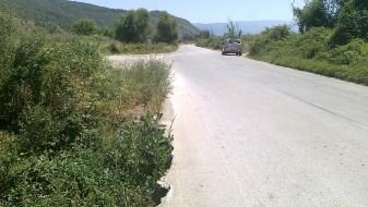 (ФОТО) Пропадна дел од стариот пат Охрид-Струга