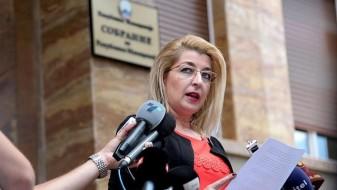 Ласовска: СДСМ во кратка и нелегална постапка разреши 18 директори