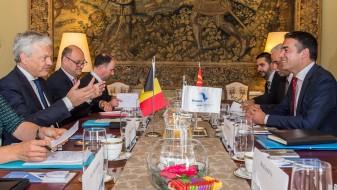 Средба Димитров – Рејндерс: На патот кон ЕУ и НАТО ни требаат пријатели