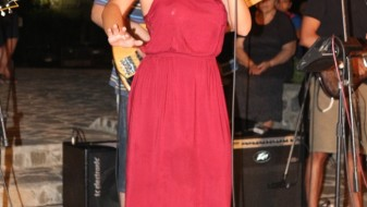 """Сара Мејс одржа концерт во """"Паркот на бранителите"""" во Драчево"""