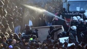 Околу 200 полицајци повредени во протестите за Г-20