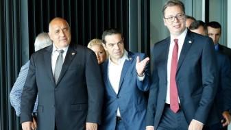 Ципрас, Вучиќ и Борисов со порака: поддршка само за стабилна Македонија со решено име