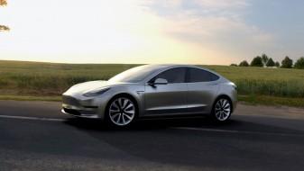 """""""Тесла"""" почна да прави и """"народни"""" автомобили"""