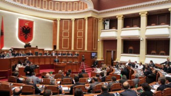 Албанскиот парламент со најмногу жени во демократската ера