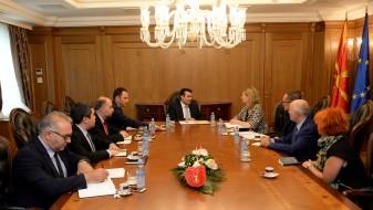 Заев-Илвам: Велика Британија поддржува реформска Влада во Македонија