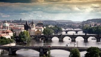 Прага-град со милион жители и пет милиони туристи