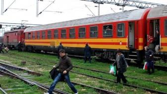 """(ВИДЕО) Воз со патници заглавил на отворена пруга, граѓани бараат оставка од директорот на """"МЖ – Транспорт"""""""