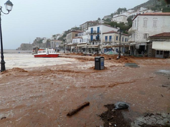 Поплави во Грција   нема евакуирани македонски државјани