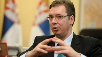 Вучиќ го кани Трамп да ја посети Србија