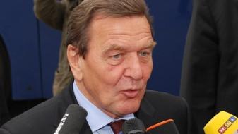 """Русија го предложи Шредер за директор на рускиот нафтен гигант """"Роснефт"""""""