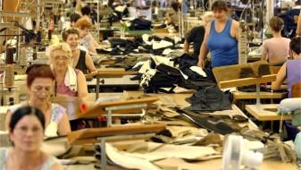 (ВИДЕО) Физичка тортура и понижување – суровата реалност на македонските текстилни работнички