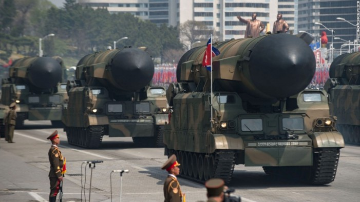Меркел-Лавров: Не постои воено решение на спорот меѓу САД и Северна Кореја