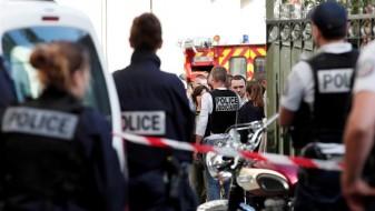 Автомобил влета во маса луѓе на две автобуски станици во Марсеј