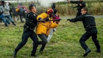 Масовна тепачка меѓу мигрантите во Кале