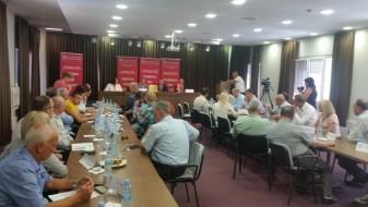 Анѓушев негира дека странските инвеститори не се интересираат веќе за Македонија