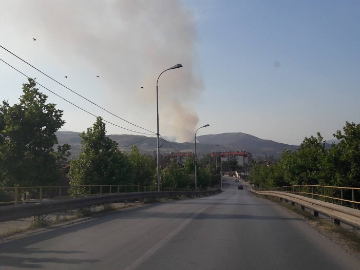 Пожар кај Никиштани и Грачани – се шири кон реката Лепенец