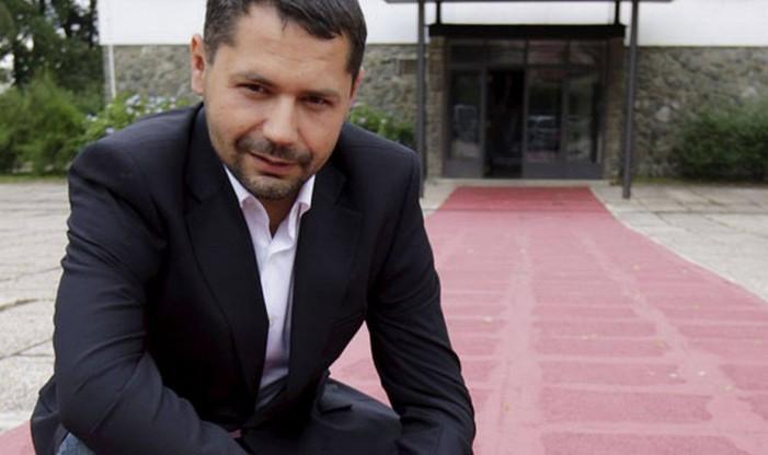 """Реакција: Винко Грубишиќ за текстот """"Филмски скандал со политички импликации: Каде завршија 4,6 милиони евра"""""""