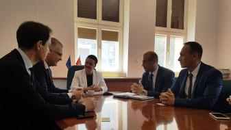 Средба на пратеничката Ременски со пратеници од српскиот парламент