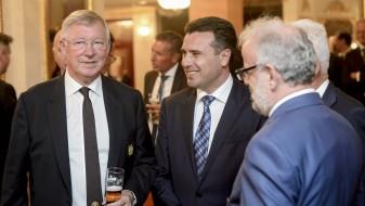 Заев: Создадени се сите услови за фудбалскиот спектакл, Македонија ќе ја оправда довербата