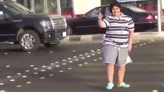 """Танцувал на """"Макарена"""", завршил во полиција"""