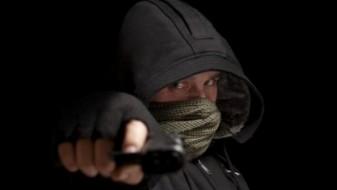 Со пиштоли ограбиле продавница во Скопје