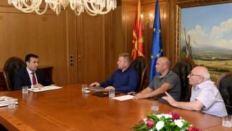 Заев се сретна со Независниот синдикат на професионалните војници
