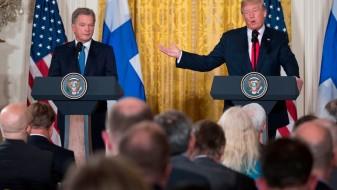 (ВИДЕО) Трамп на прес-конференција го збуниле две русокоси