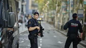 Шпанија: Полицијата трага по уште четворица осомничени за нападите во Барселона и Камбрилс