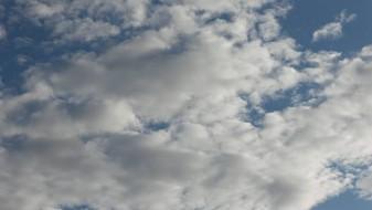 Времето денеска променливо облачно и посвежо со температури до 30 степени