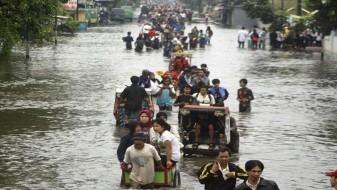 Речиси 600 загинати во поплавите во Југоисточна Азија