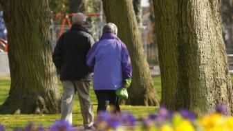 Средовечните луѓе да прават брзи прошетки за да бидат здрави