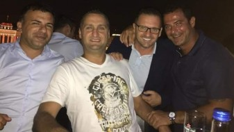 Фудбалските ѕвезди Предраг Мијатовиќ и Дејан Станковиќ вчера се прошетаа по скопските локали