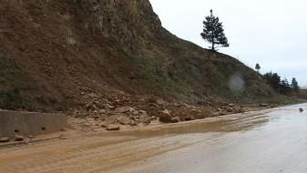 Поради свлечиште, прекин на сообраќајот на обиколницата кај Битола
