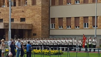 Гардата построена за словенечкиот претседател на парламентот, Милан Брглез