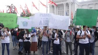 """""""Воздух за мир"""": Марш за чист воздух се одржа во Скопје"""