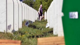 Холандската влада бара да се поништи пресудата за Сребреница