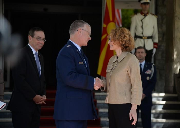 Средба Шекеринска-Креј: Македонија членка на НАТО е заедничка цел