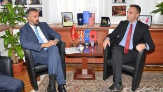 Црногорскиот главен преговарач за ЕУ ќе ни помага ако почнеме преговори