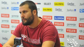 Стоилов: Имав шанса да го решам натпреварот, но шутнав лошо
