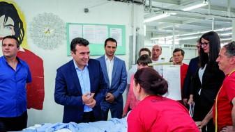 """Заев за """"Српска економија"""": Ќе обезбедиме просечна плата од 30.000 денари"""