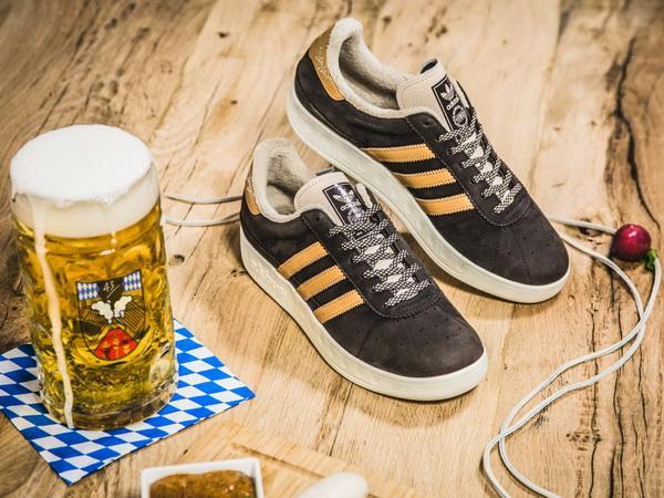 (ВИДЕО) Адидас за Октоберфест произведе патики отпорни на пиво