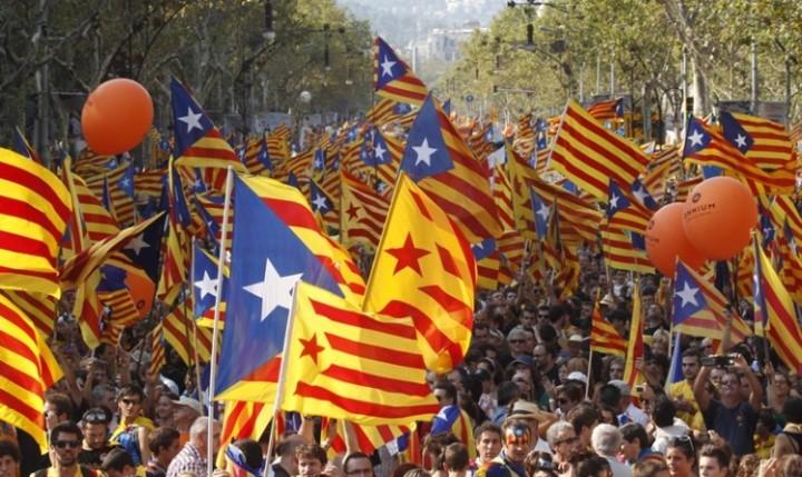 Мадрид ќе даде на суд 700 каталонски градоначалници