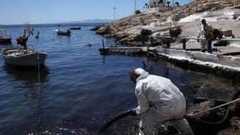 Повторно излевање нафта кај Атина