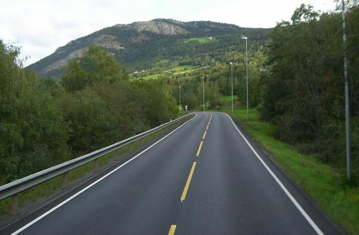 Умрен сообраќај надвор од градовите