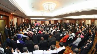 Силни апели за мир од Јужна Кореја