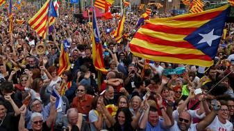 Со притисоците расте и поддршката за независноста на Каталонија