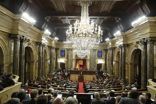 Лидерот на Каталонија се повлече  засега нема прогласување на независност