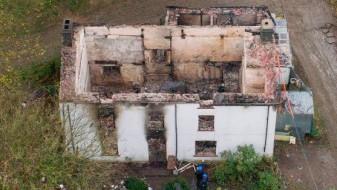 Пет деца можни жртви на пожар во Велс