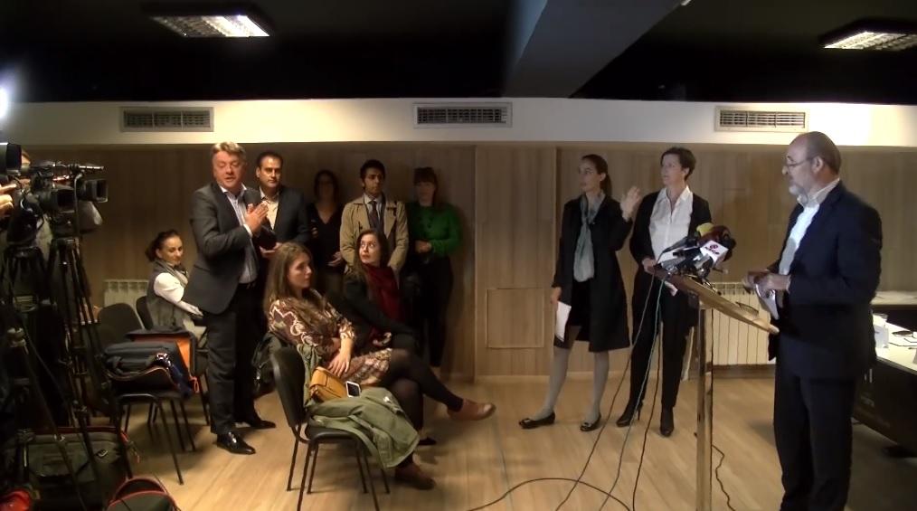 Шилегов ја прекина прес конференцијата на Трајановски за да го повика на дебата