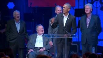 (ВИДЕО) Ретка глетка: Пет поранешни претседатели на САД заедно на концерт